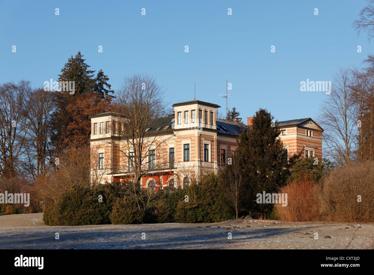 Late Classicist Schloss Seeseiten Castle, Seeshaupt on Lake Starnberg, Fuenfseenland, Five Lakes district, Upper - Stock Image