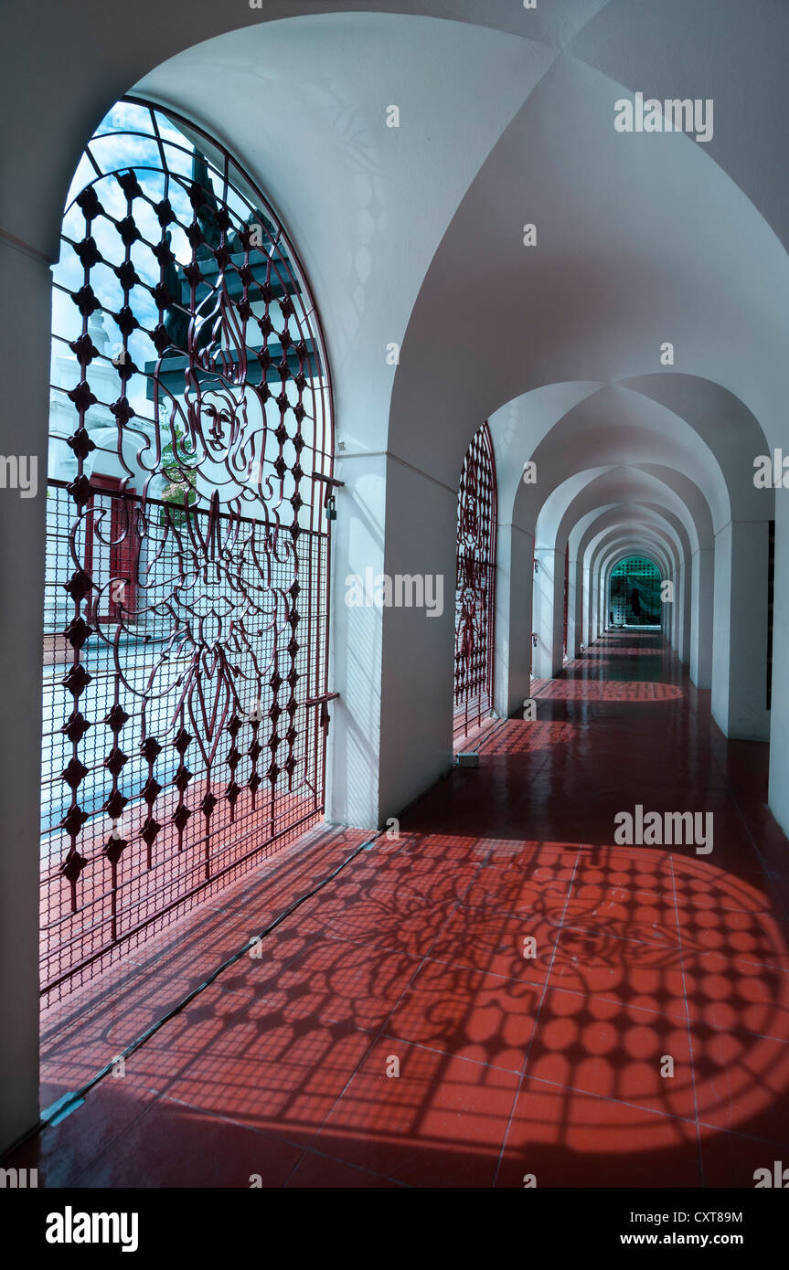 Corridor, Wat Ratchanatdaram, Bangkok, Thailand, Asia - Stock Image