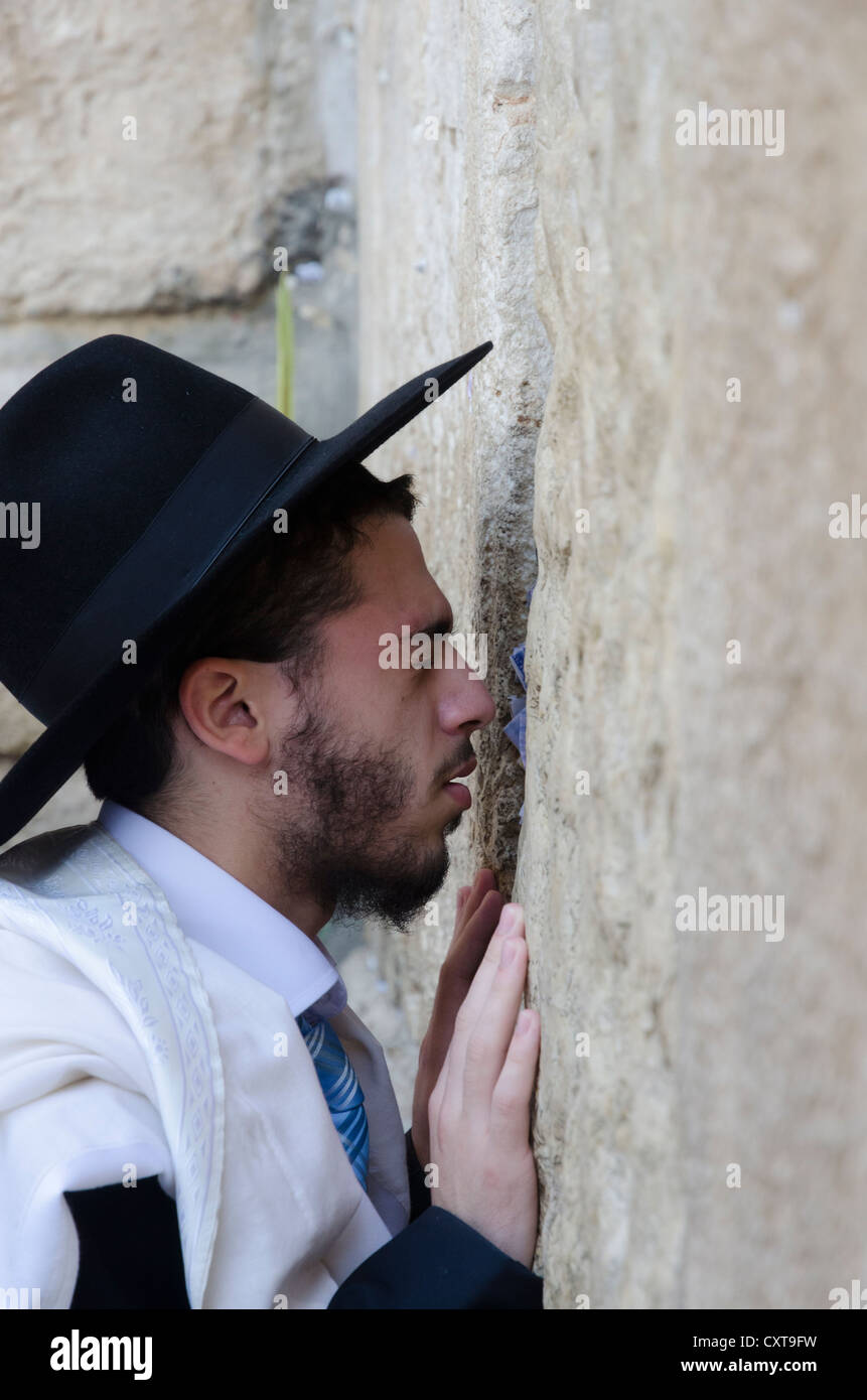 Portrait of an orthodox Jew praying alone at the Western Wall. Jerusalem Old City. Israel. - Stock Image