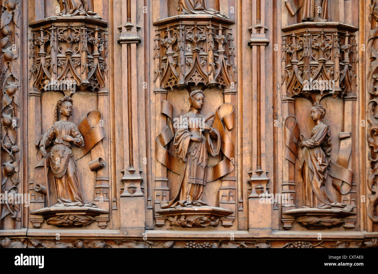 Wooden Carvings of Female Figures on Medieval Door Aix-en-Provence Cathedral Provence France - Stock Image
