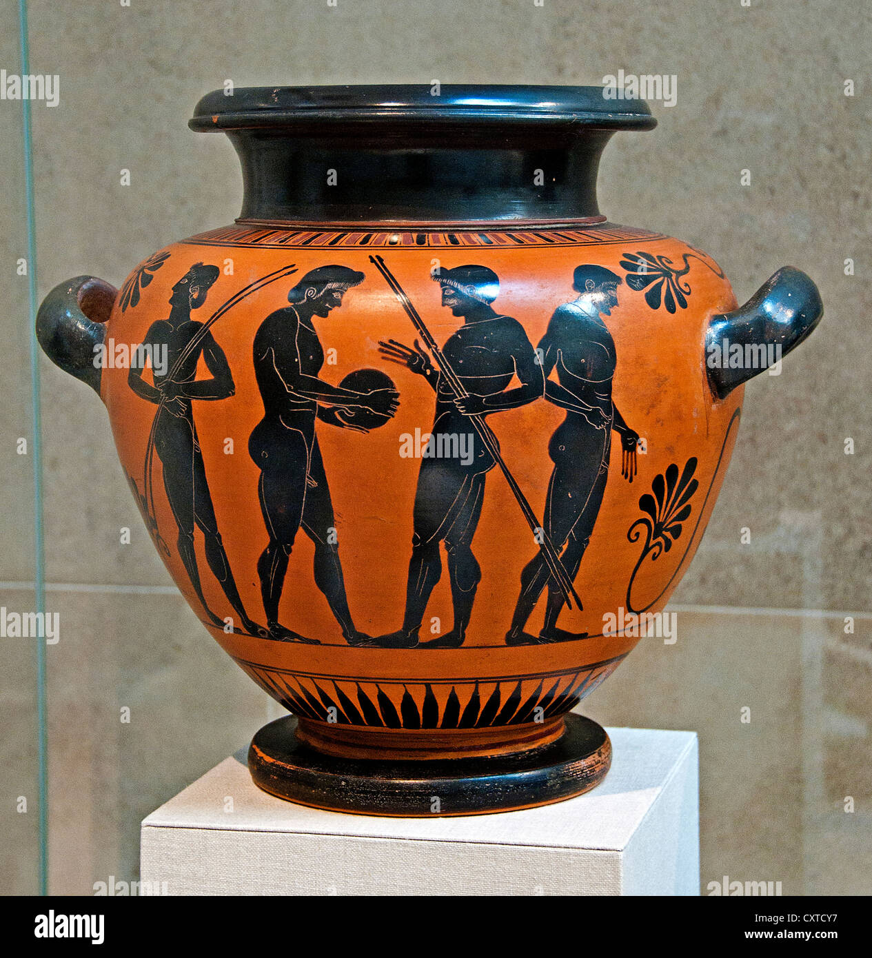 Terracotta stamnos storage jar by  Antimenes Painter  Archaic 525–500 B.C. Greek Attic athletes Athletics Athens - Stock Image
