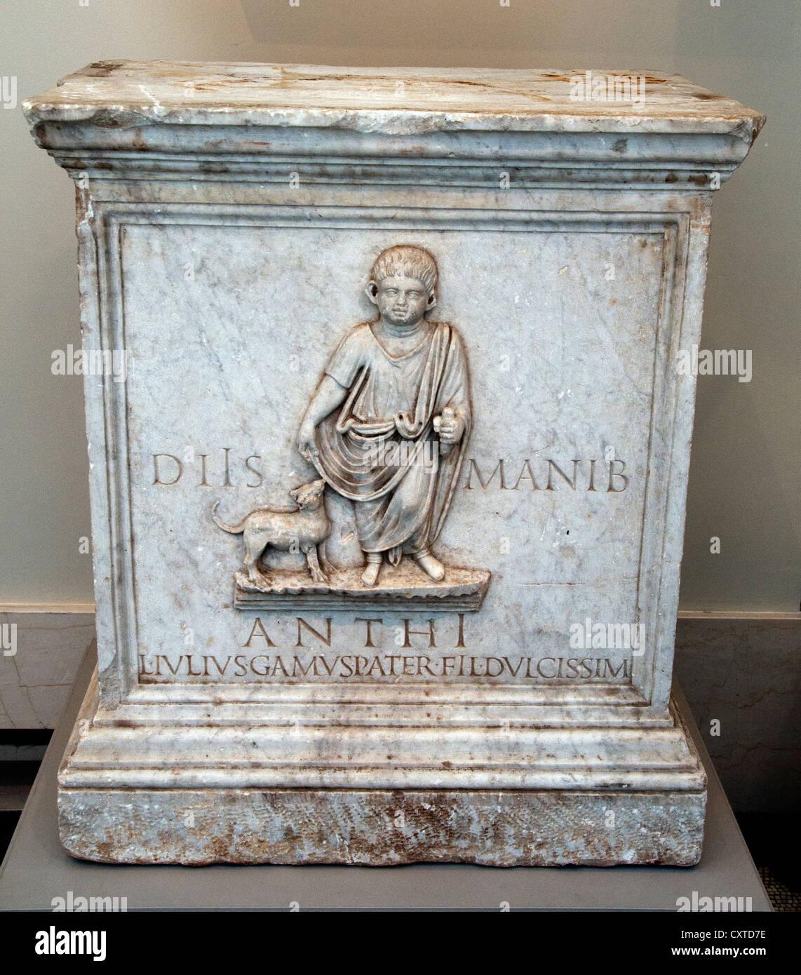 Marble Funerary Altar  Roman 1st Century AD Roman Luciaus Gamus - Stock Image