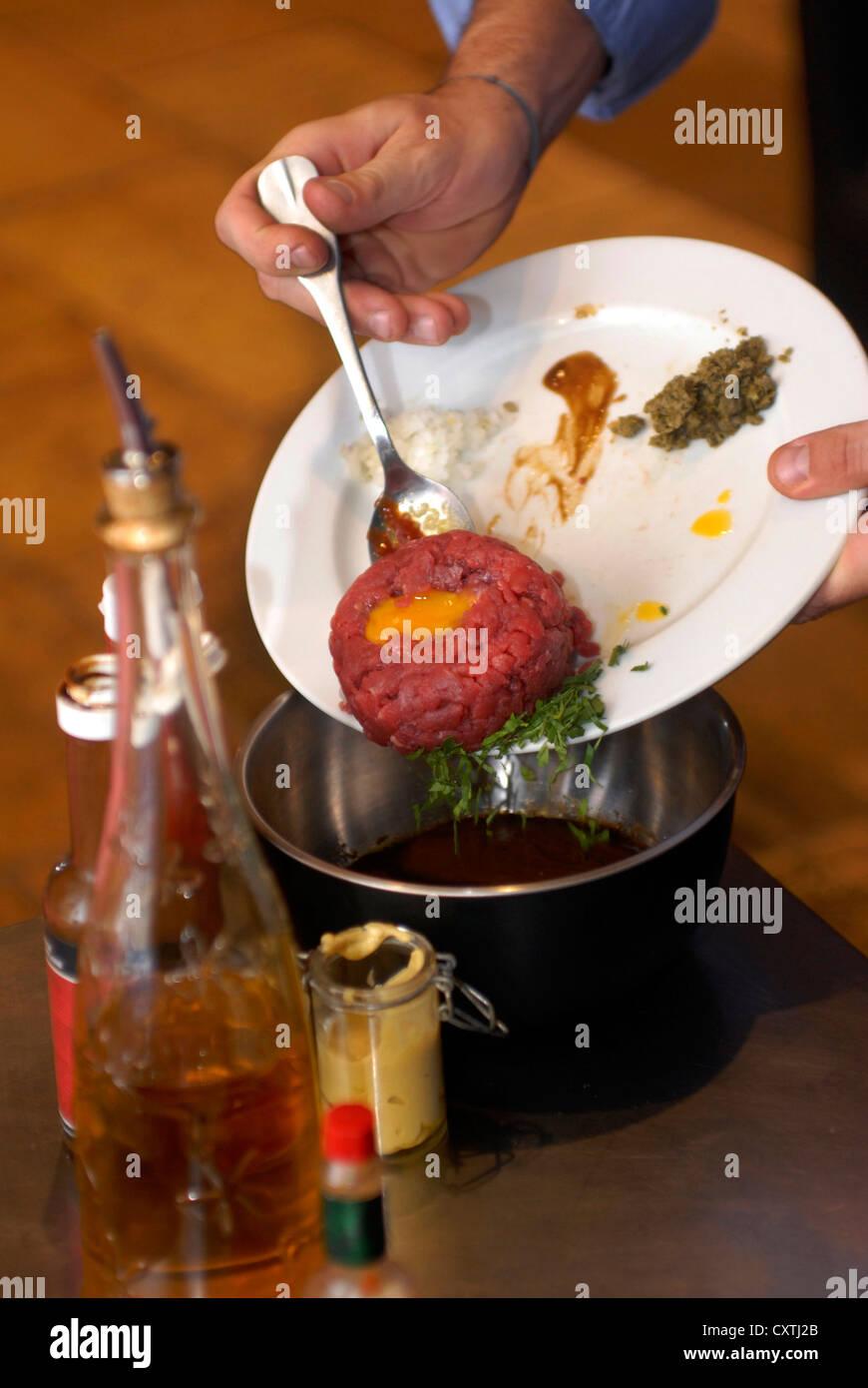 Tartare, Steak Boeuf, Quai du Port, Chez Madie Les Galinettes Restaurant,  Marseille, Provence Alpes Cote d Azur, - Stock Image