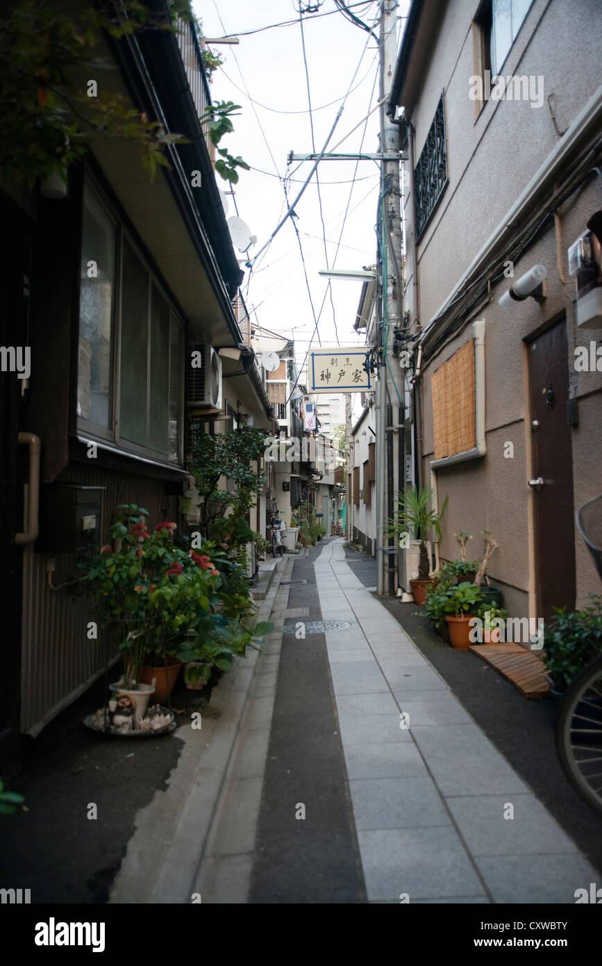 Narrow sidestreet in Shinagawa-ku, Tokyo Stock Photo