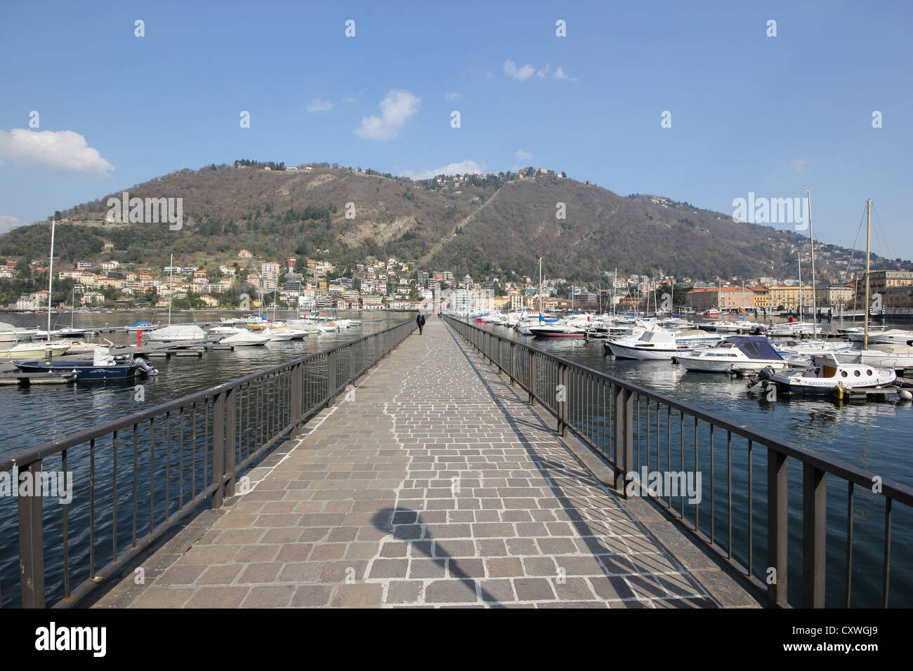 A picture of the walk of Lake Como, Italy besides the bay, boats, dock, photoarkive - Stock Image