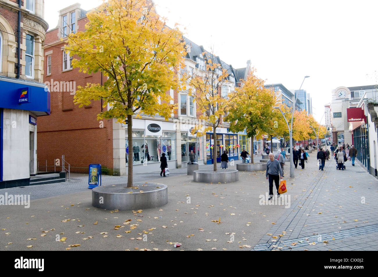 redhill town center centre high street highstreets highstreet uk ghost town suburban town streets surrey uk struggling - Stock Image