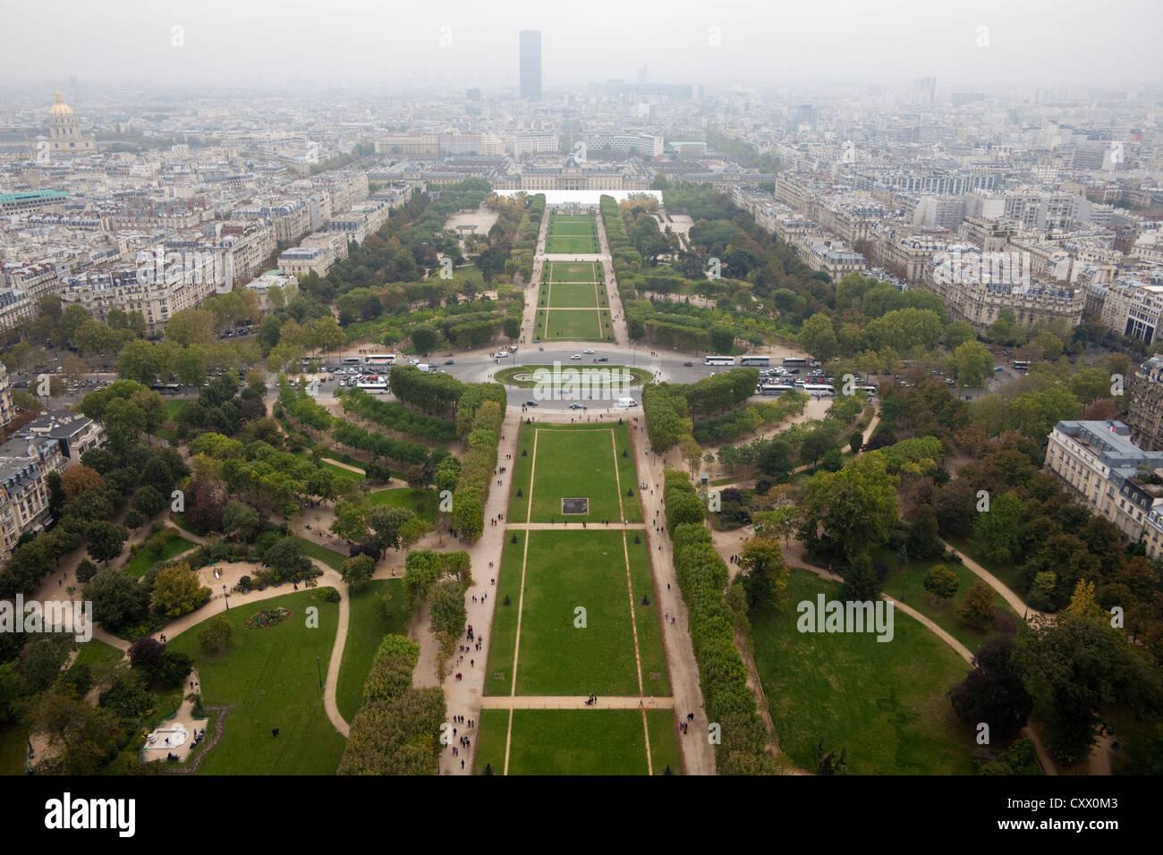 The Parc du Champ de Mars seen from the Eiffel Tower, Paris, France - Stock Image