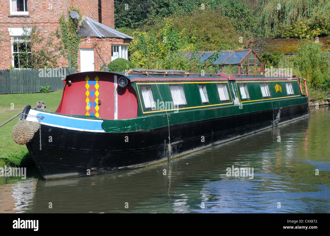 70' narrowboat 'Bunyip' moored on the Oxford Canal at Cropredy, Oxfordshire, England - Stock Image