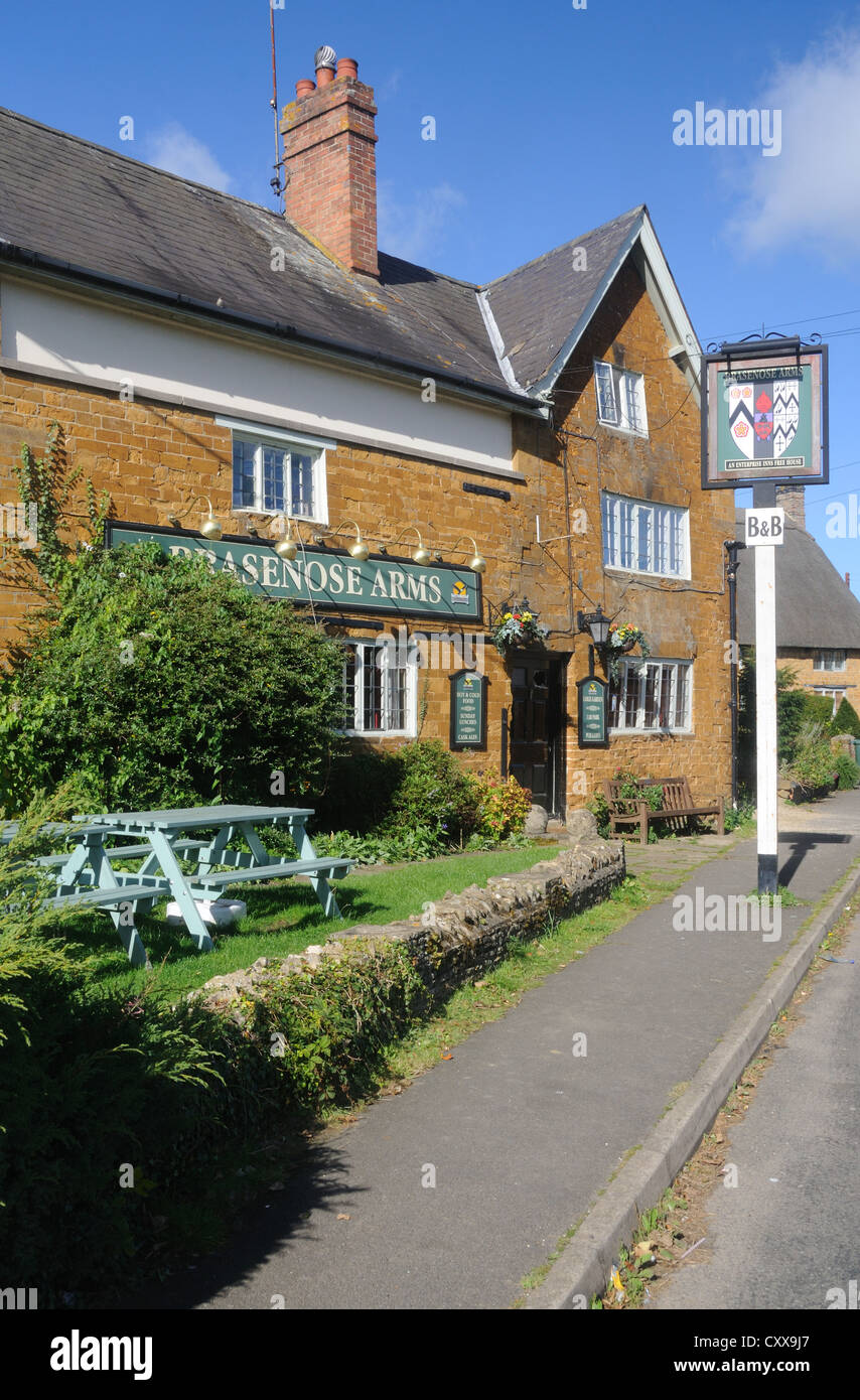 The Brasenose Arms in Cropredy, Oxfordshire, England - Stock Image