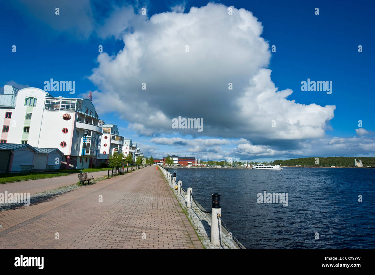 Modern houses in Luleå by the Gulf of Bothnia in Luleå, Norrbotten County, Sweden. - Stock Image