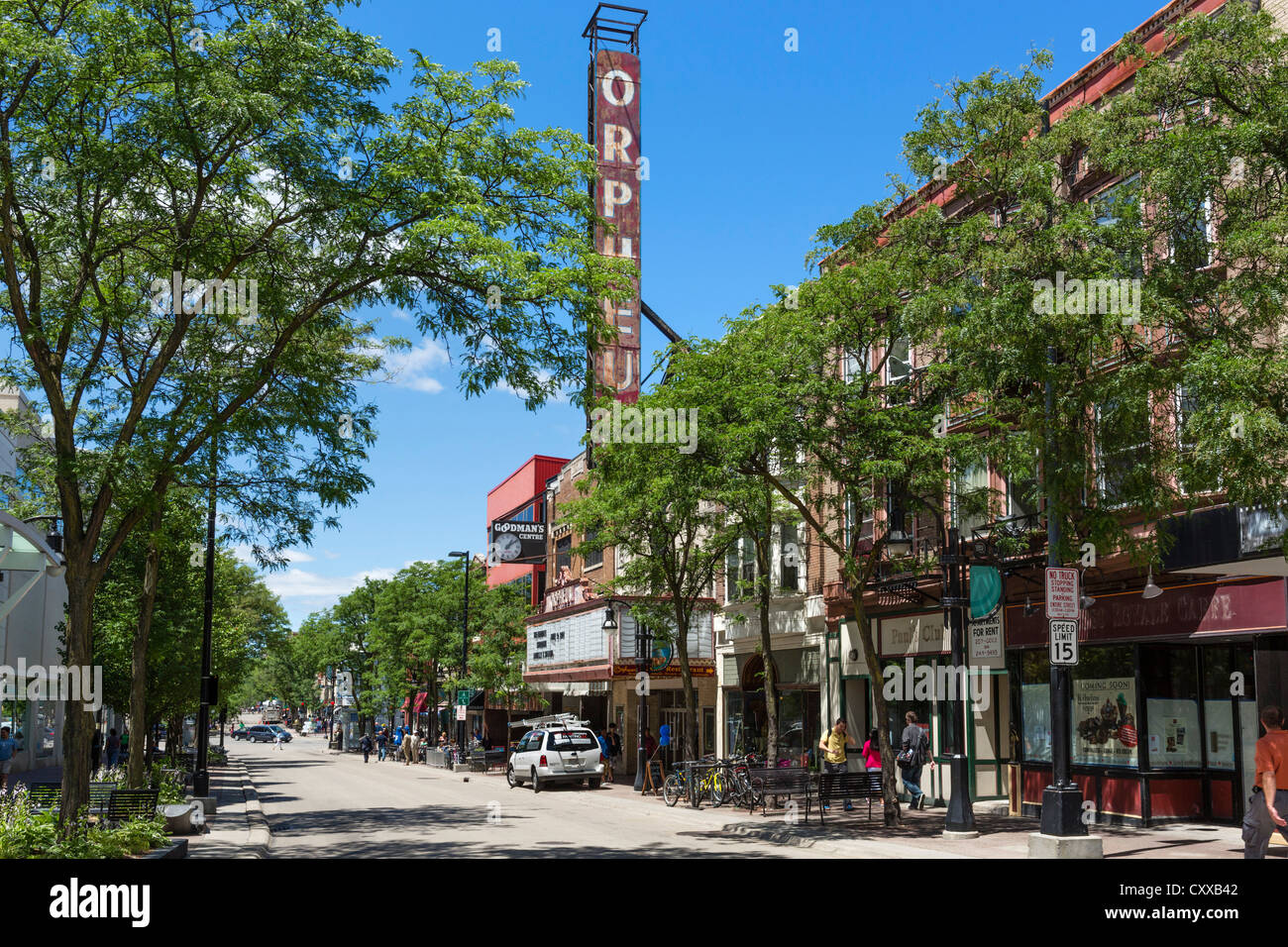 View down State Street towards the Orpheum Theater, Madison, Wisconsin, USA - Stock Image
