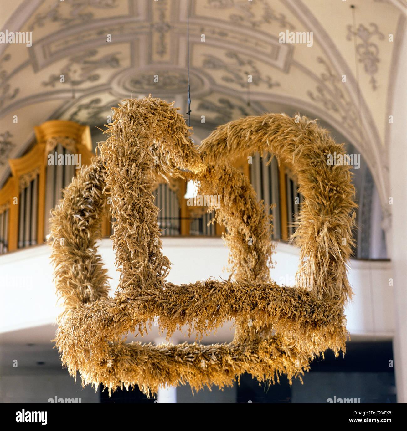 Harvest crown, harvest festival decoration, thanksgiving, parish church of Saint Andreas, Wolfratshausen, Upper - Stock Image