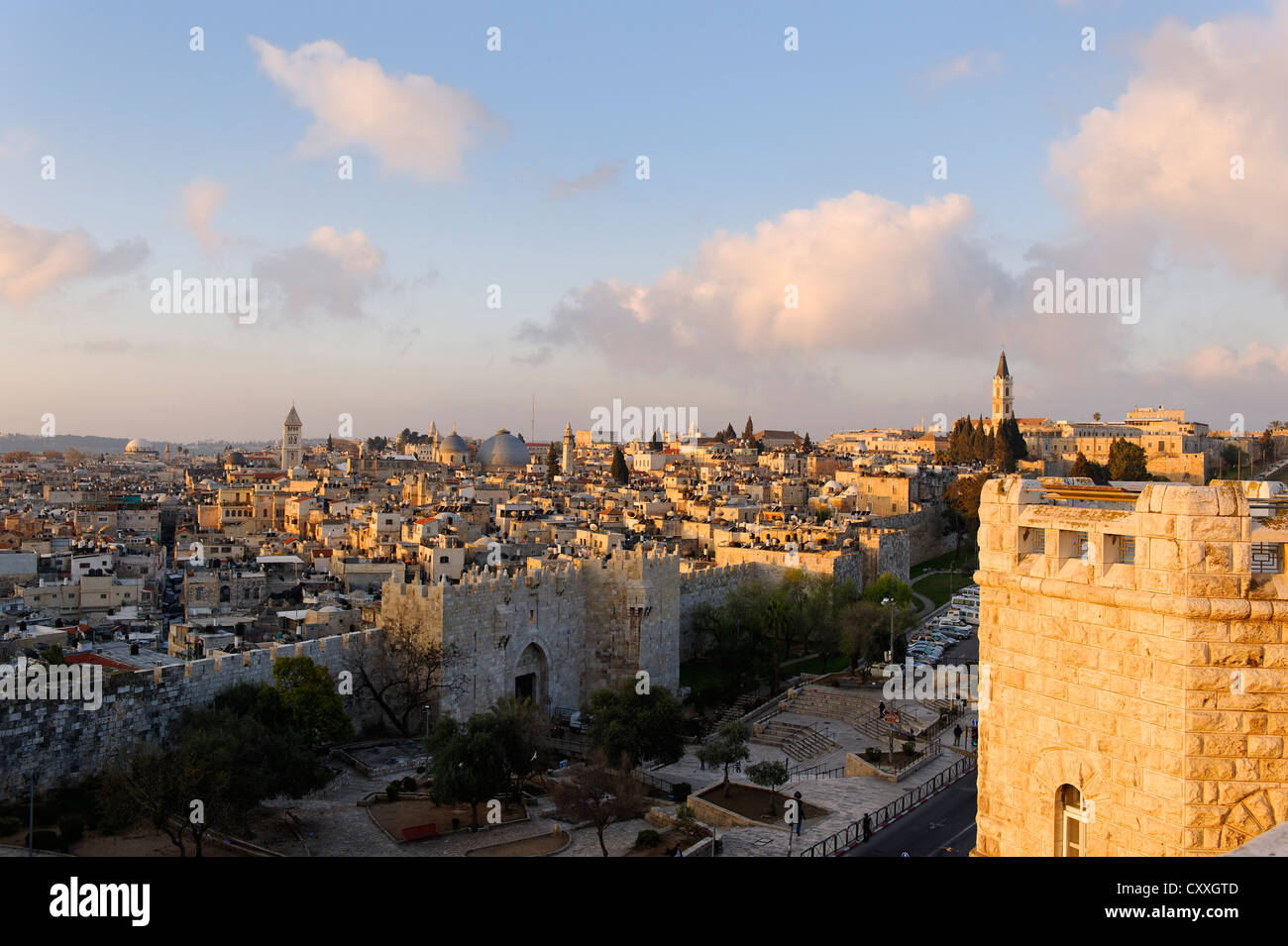 Damaskus Gate in the morning light, from the Paulus Haus guest house, old town, Jerusalem, Israel, Middle East - Stock Image