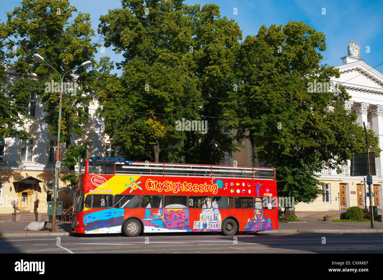 Double decker city sightseeing tour bus at Viru Väljak square Kesklinn central Tallinn Estonia Europe - Stock Image