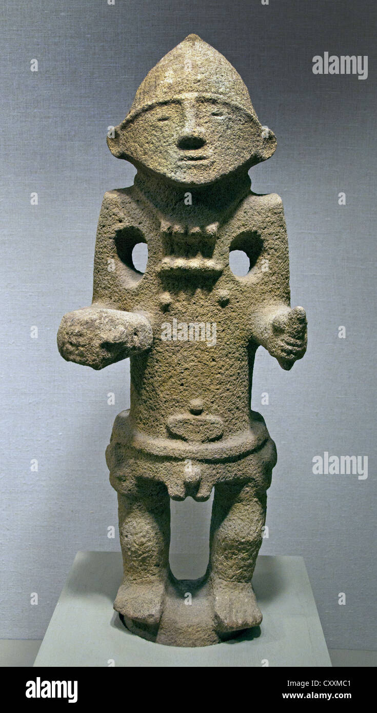 Warrior with Trophy Head  8th–11th century Costa Rica Atlantic Watershed Stone 88 cm - Stock Image