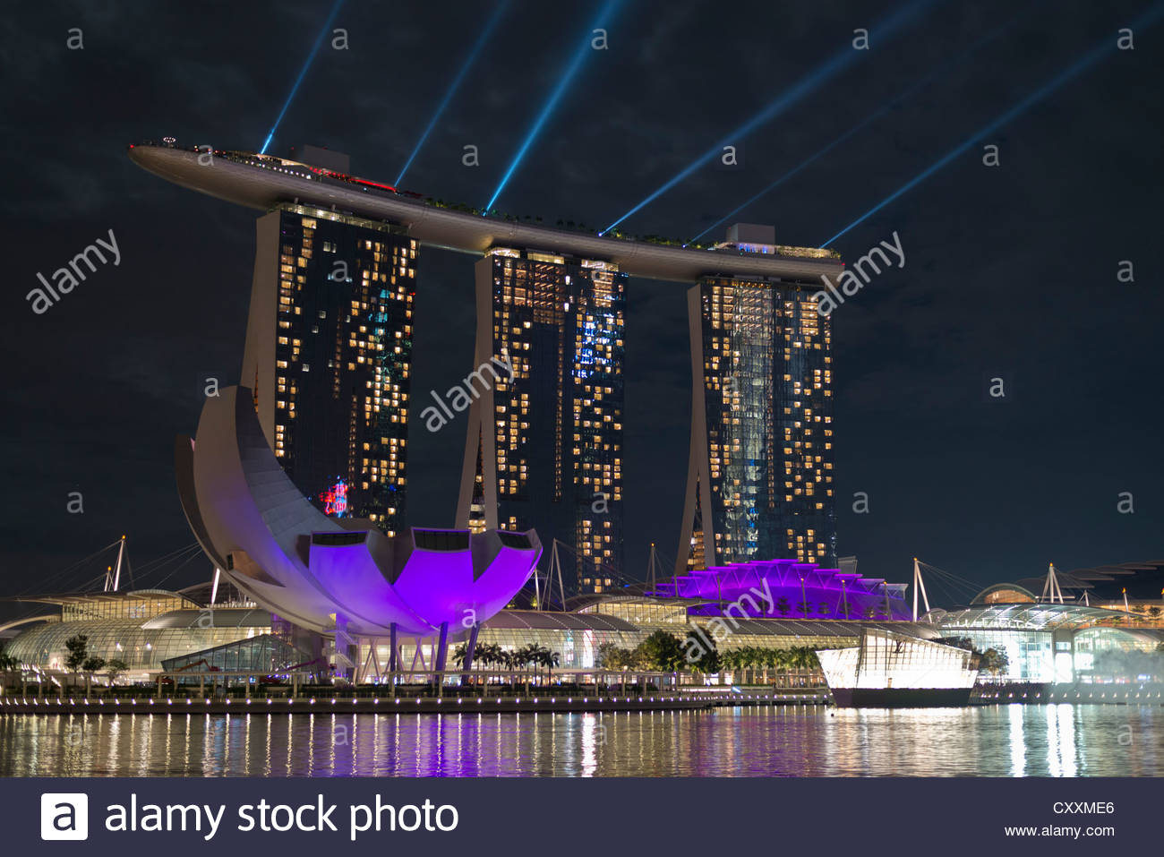marina bay sands hotel art and science museum left nightly light