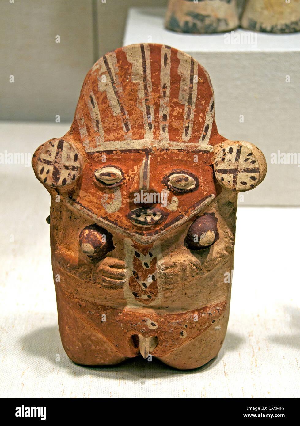 Female Figure 12th–14th century Peru Peruvian Chancay Ceramic 18 cm - Stock Image