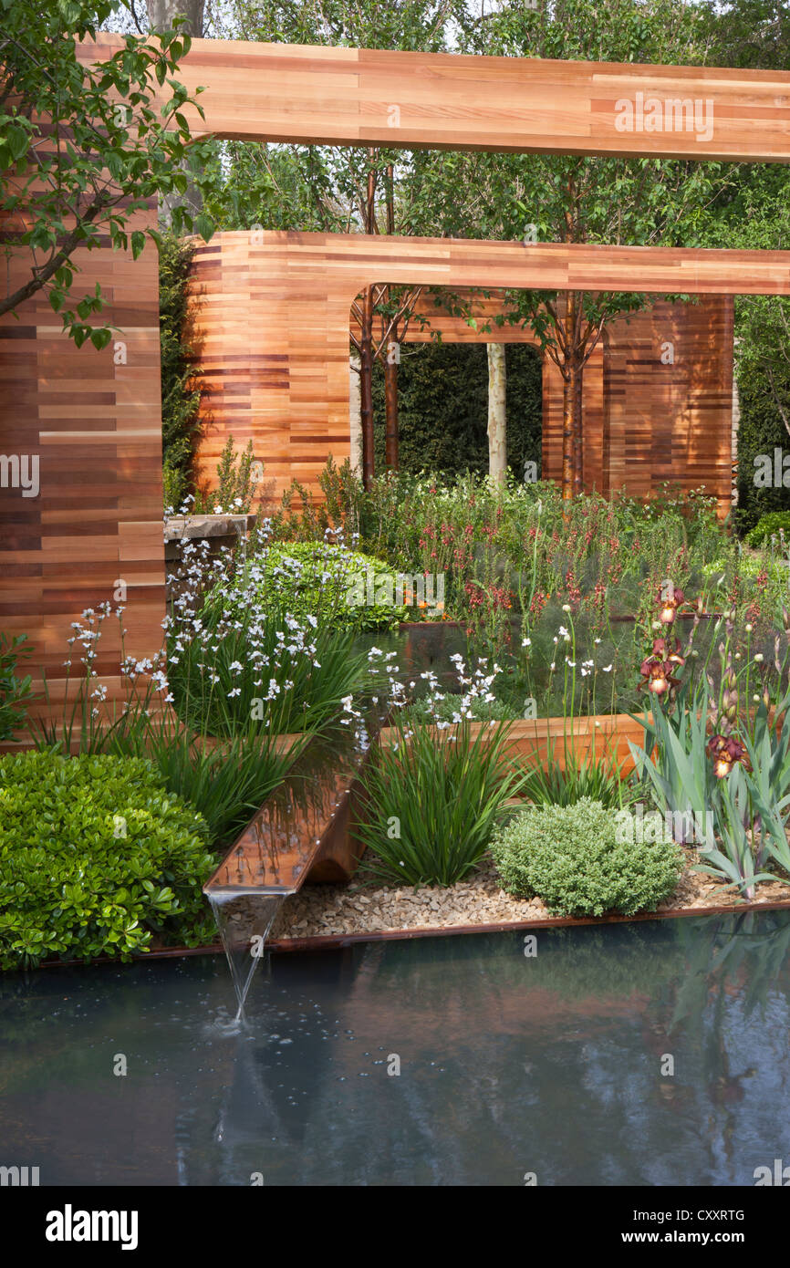 chelsea rhs flower show gardens 2012 london uk CXXRTG