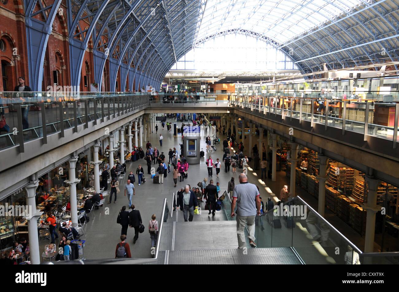 St. Pancras Railway Station, London, England, Britain, UK - Stock Image