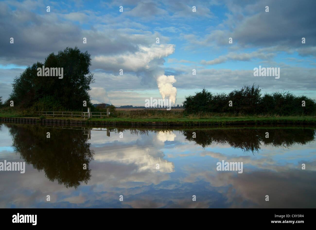 UK,North Yorkshire,Eggborough Power Station,Aire & Calder Navigation - Stock Image