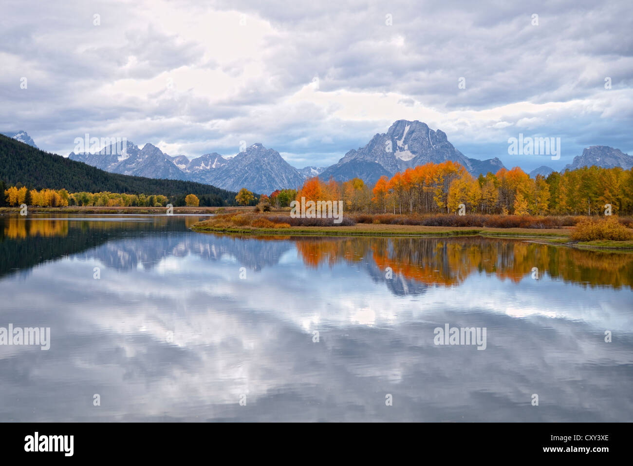 Reflections in Snake River, Teton Range, Mount Moran, centre, Oxbow Bend Turnout, Federal Road 287, Grand Teton - Stock Image