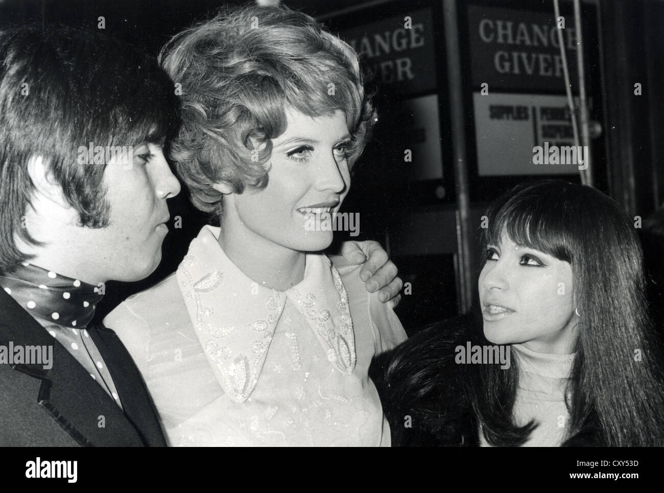 SANDIE SHAW  UK pop singer at 21st birthday party, February 1968, with Esther and Abi Ofarim. Photo Tony Gale Stock Photo