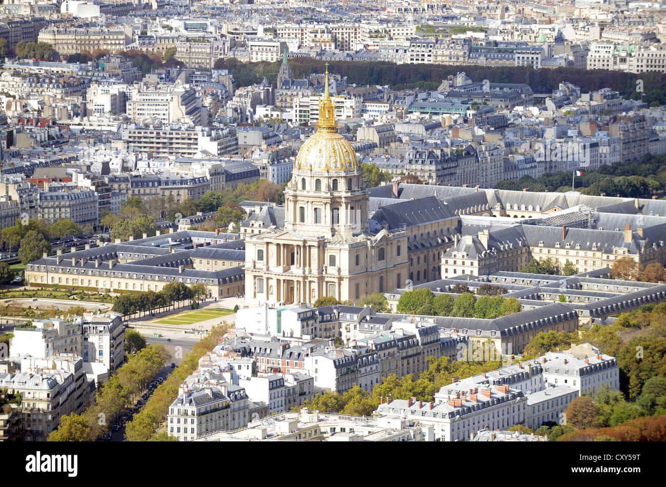"""Les Invalides, Paris, France. Golden dome cathedral of the church at """"Les Invalides"""" Paris, France Stock Photo"""