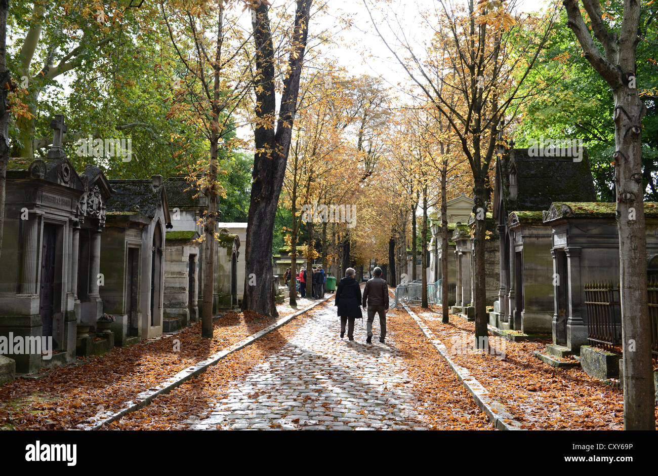 Cimetiere Pere Lachaise Cemetery Stock Photos & Cimetiere