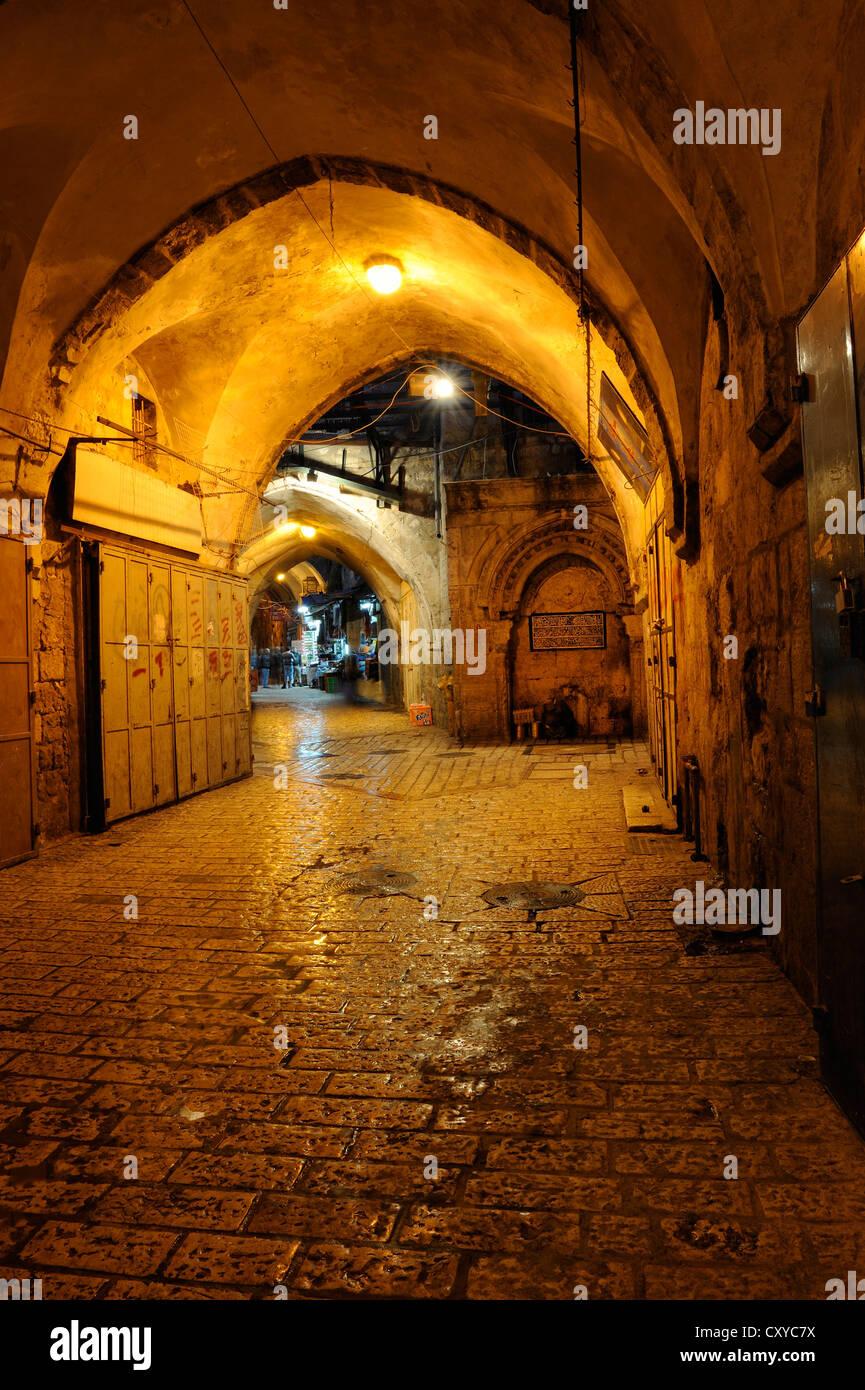 Deserted bazaar street in the evening, Muslim Quarter, Old City, Jerusalem, Israel, Middle East - Stock Image