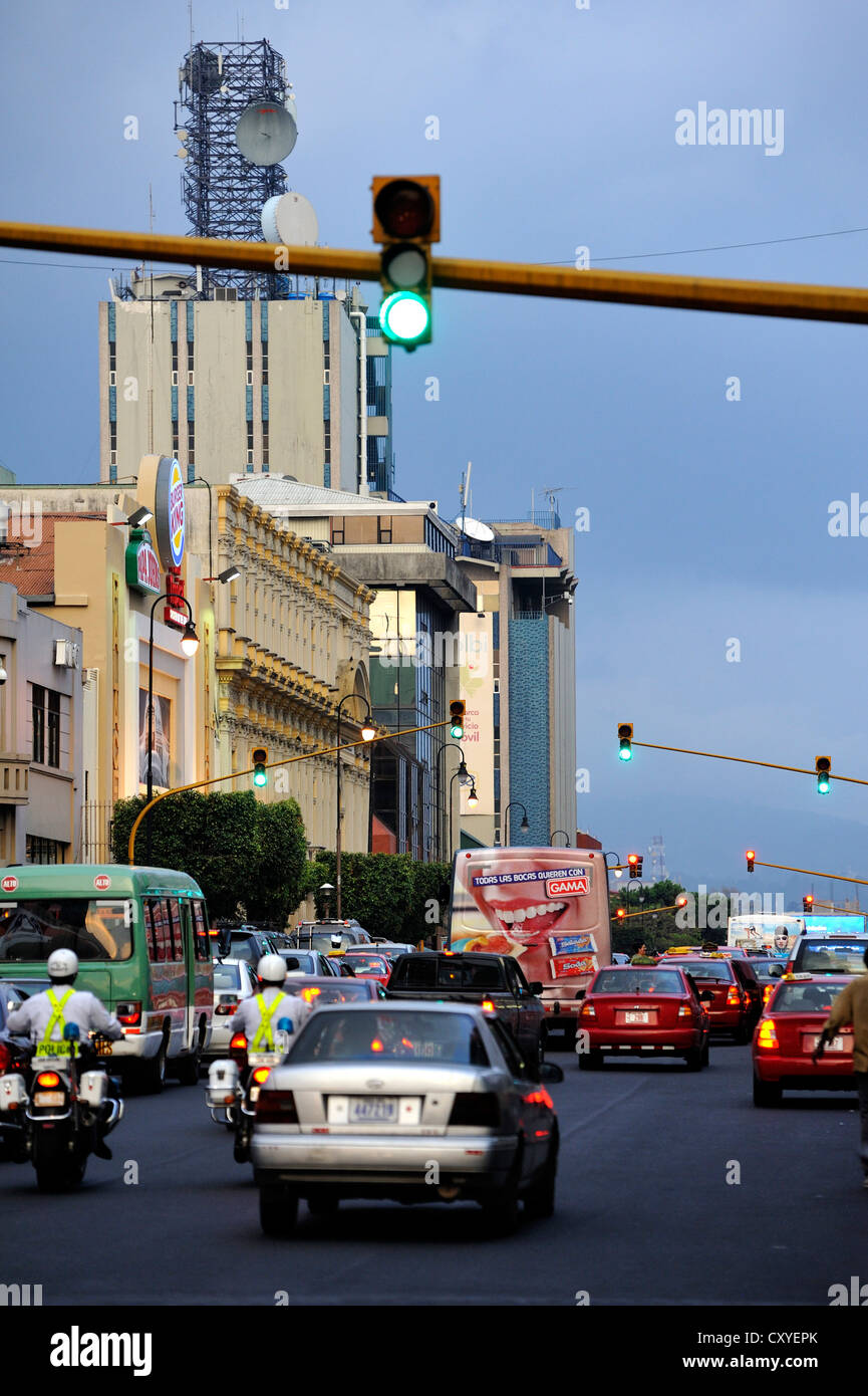 Traffic, green traffic lights on Avenida Segunda street in the city centre of San Jose, Costa Rica, Latin America - Stock Image
