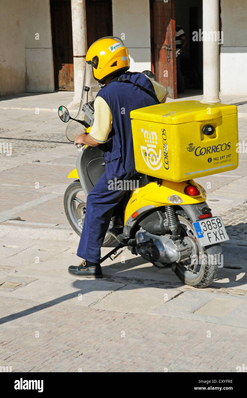 Correos, postal moped, postman, Chinchon, Spain, Europe, PublicGround - Stock Image