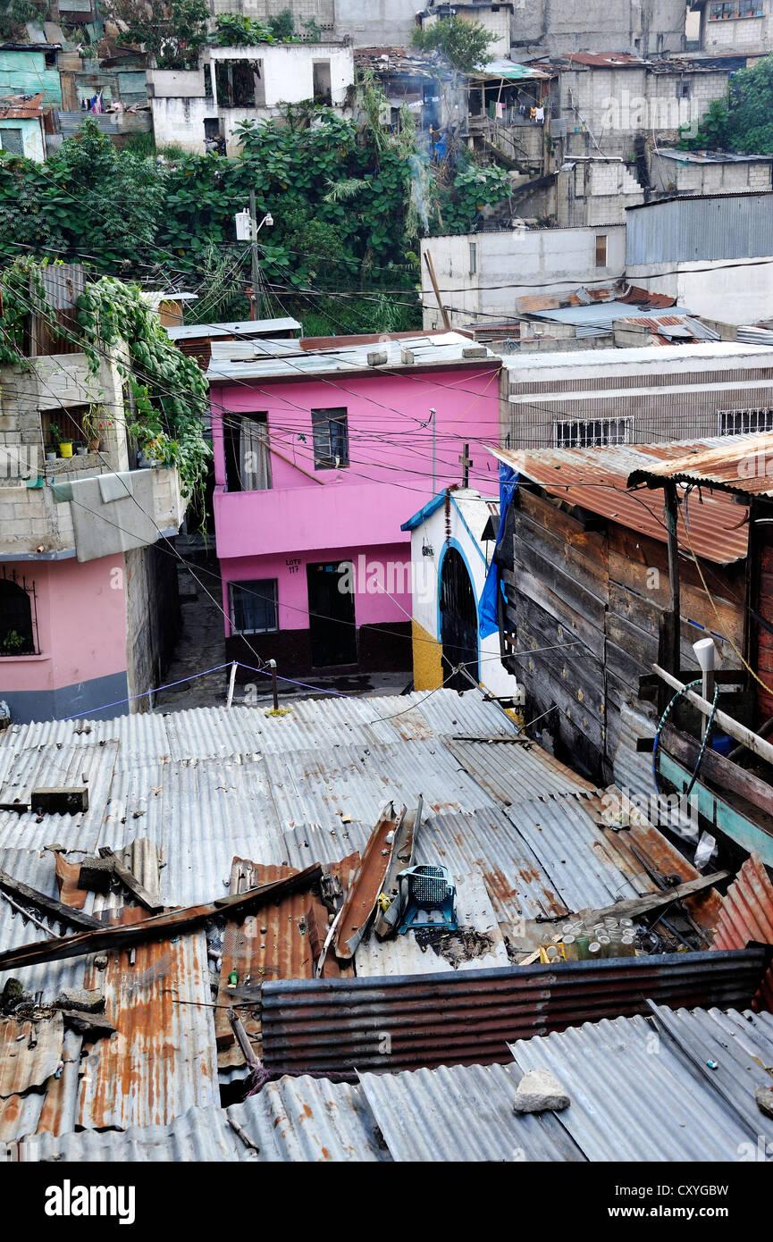 El Esfuerzo slum, the disrict is controlled by rivalling gangs of youths, Maras, Zona 5, Guatemala City, Guatemala - Stock Image