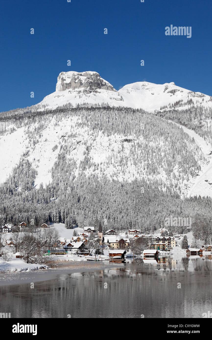 Lake Altaussee, also known as Lake Altausseer See, Loser, Totes Gebirge mountains, Ausseerland, Salzkammergut, Styria, - Stock Image