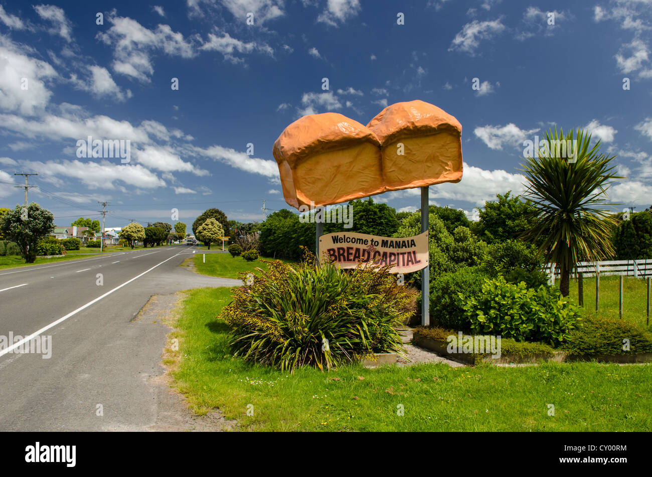 White bread sculpture, Bread Capital, Manaia, North Island, New Zealand - Stock Image