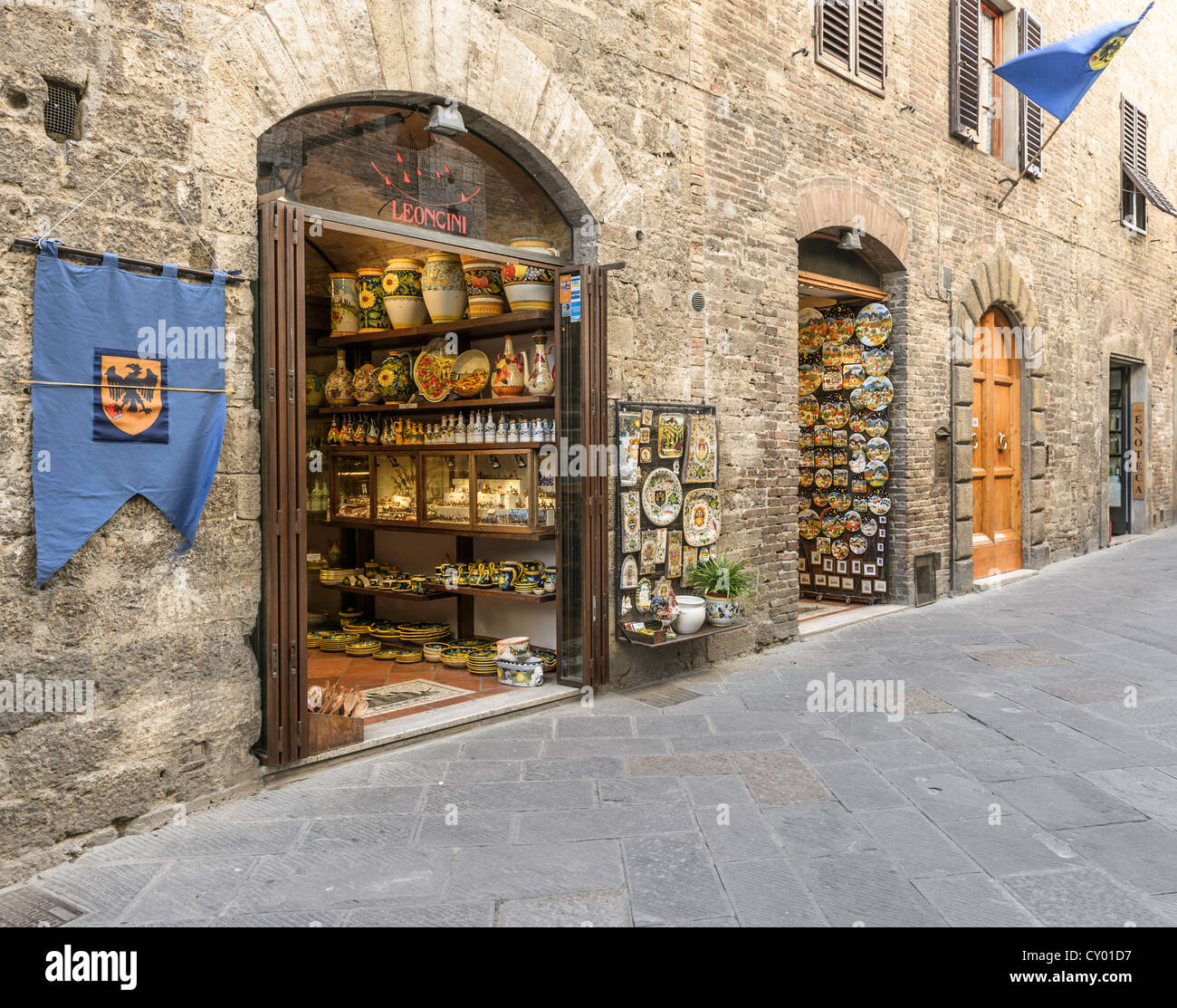 Porcelain shop in the historic district, San Gimignano, Tuscany, Italy, Europe - Stock Image