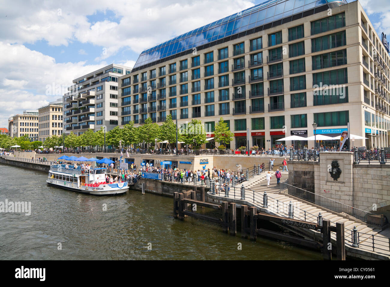 Promenade of the Spree river, Radisson Blu Hotel, DDR Museum, GDR museum, sightseeing boat, Mitte district, Berlin - Stock Image