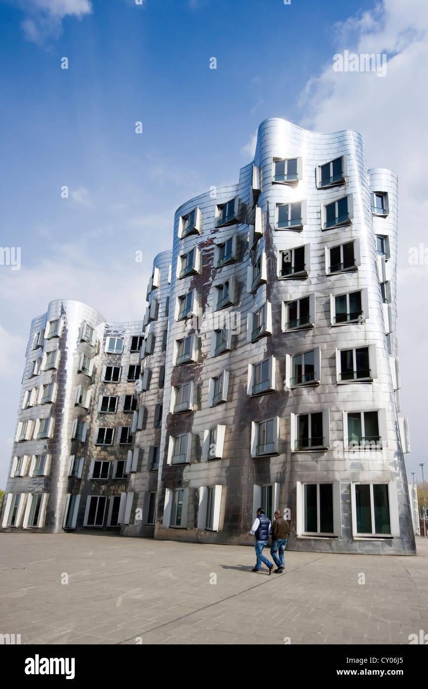 Residential buildings by Frank Gehry, Medienhafen district, Duesseldorf, North Rhine-Westphalia - Stock Image