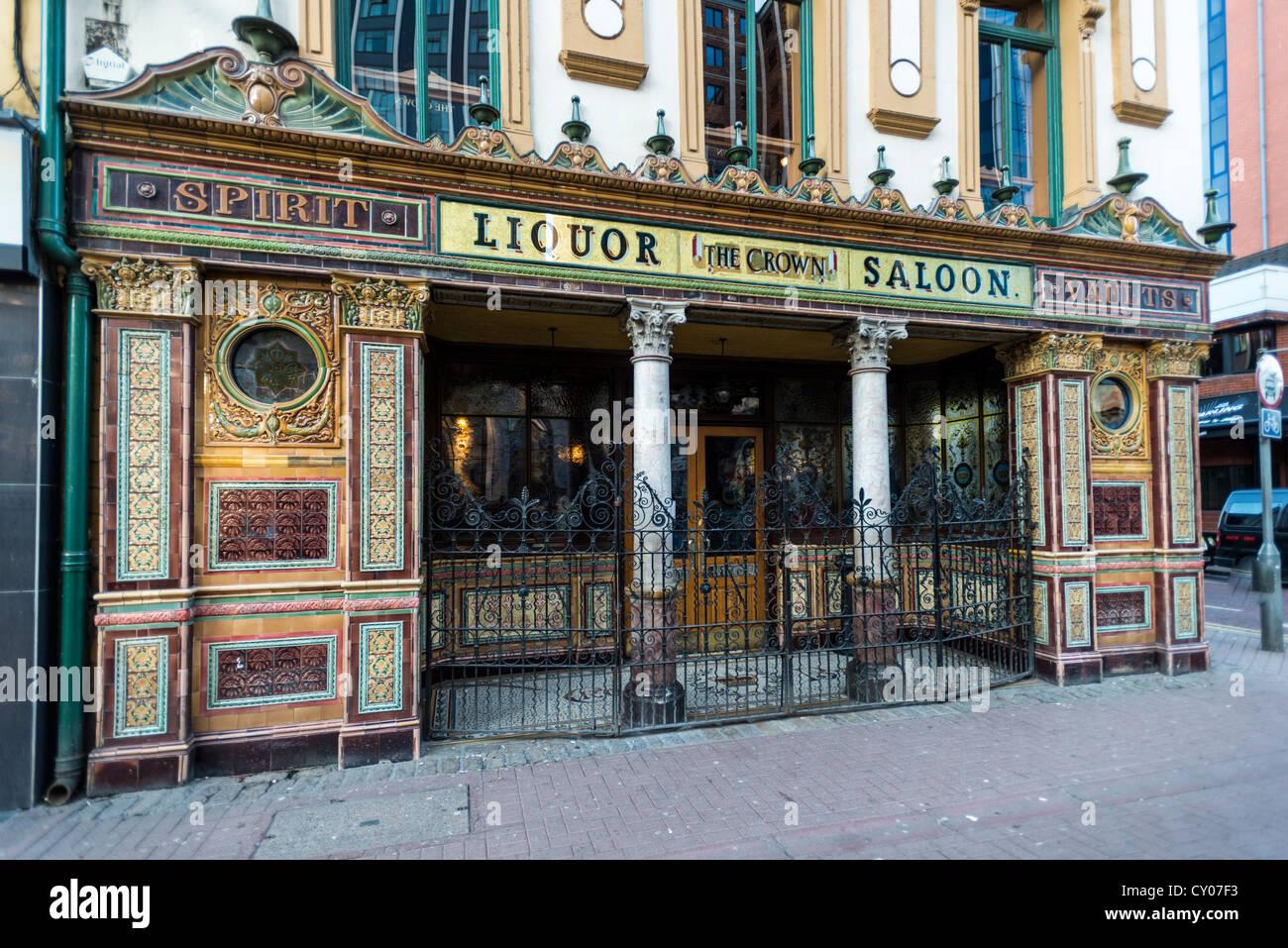 Crown Liquor Saloon, Belfast, Northern Ireland, United Kingdom, Europe - Stock Image