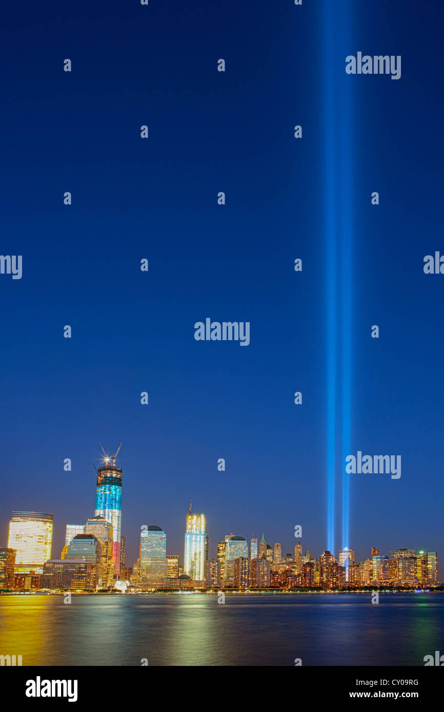 'Tribute in Light' Commemorating the 11th Anniversary of the 9/11 Terrorist attack on the World Trade Center - Stock Image