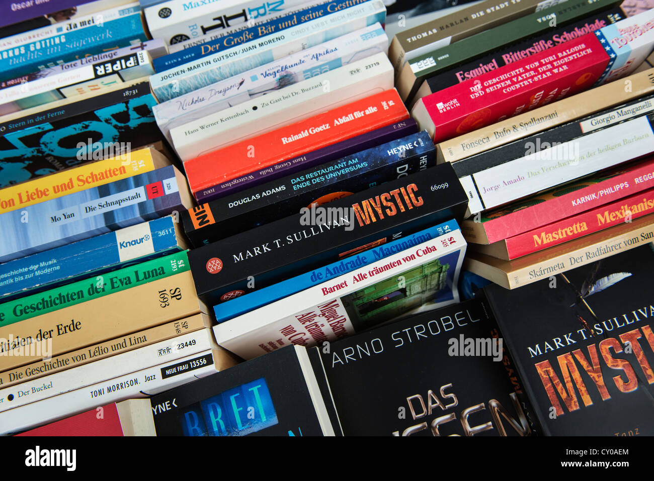 Book market, flea market, novels, paperbacks, fiction - Stock Image