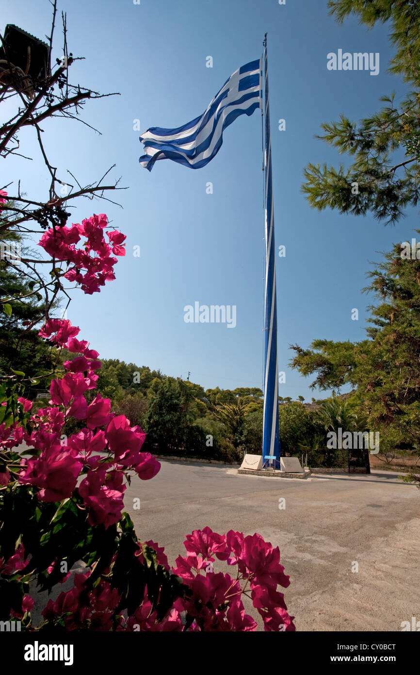 Flag of Greece, recorded in the Guinness Book of Records as the largest in the world, at the Fanari tu Keriou Restaurant - Stock Image