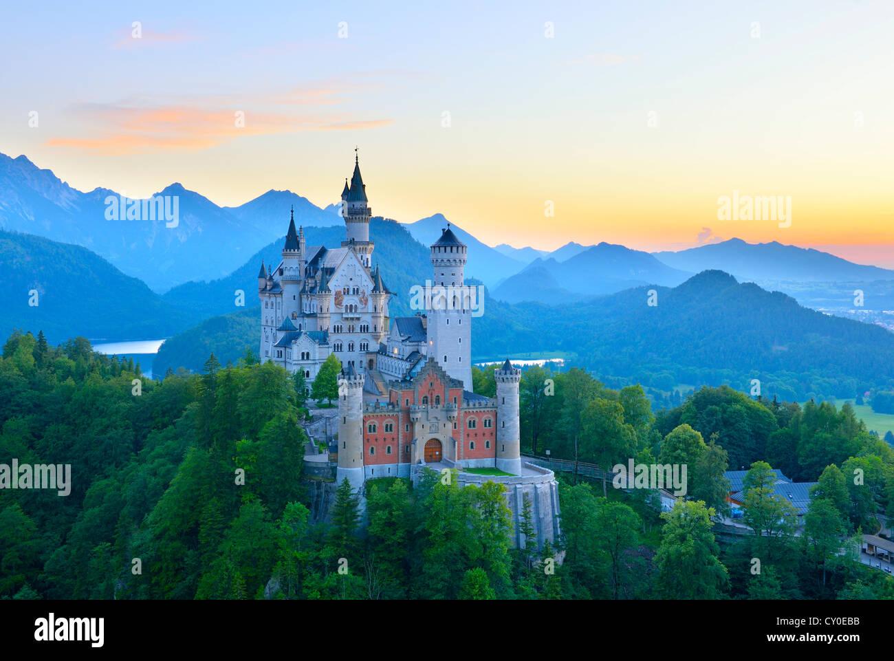Schloss Neuschwanstein Castle, near Fuessen, Ostallgaeu, Allgaeu, Bavaria - Stock Image