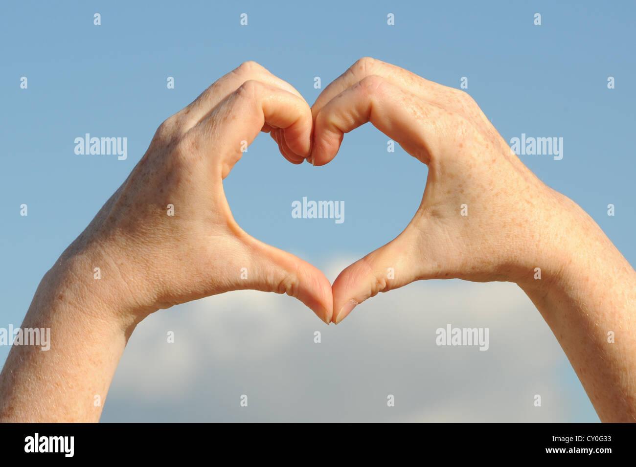 heart shaped hands Stock Photo: 51029079 - Alamy