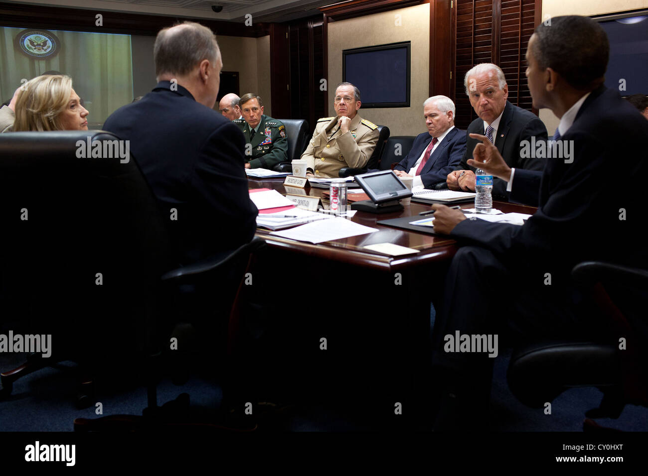 US President Barack Obama meets with his National Security Staff June 21, 2011 in the Situation Room of the White - Stock Image