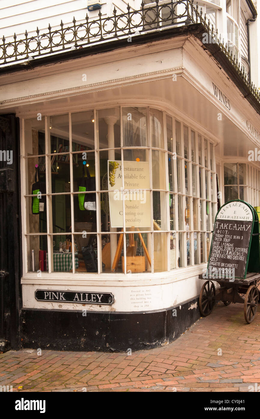 Kent Royal Tunbridge Wells corner The Pantiles & Pink Alley built 1660 Gastronomia cafe restaurant snack bar - Stock Image