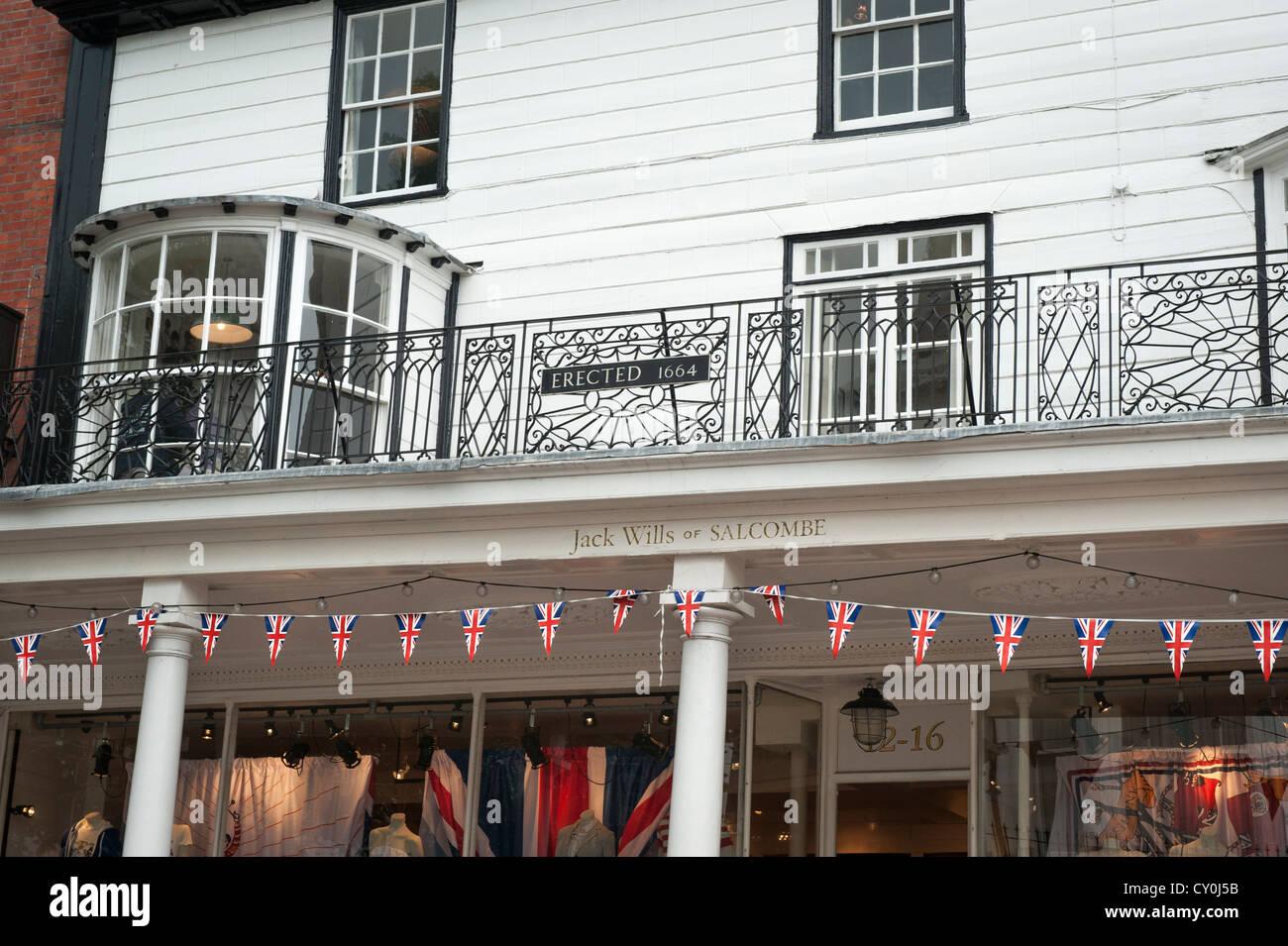 Kent Royal Tunbridge Wells The Pantiles detail of shop store window windows balcony over Jack Wills of Salcombe - Stock Image
