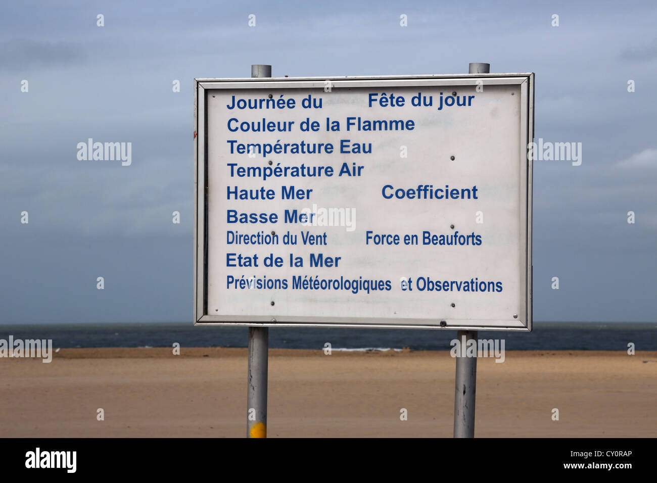 Calais France Calais Beach Sign Showing The Meteorological Observations Of The Beach And Sea - Stock Image