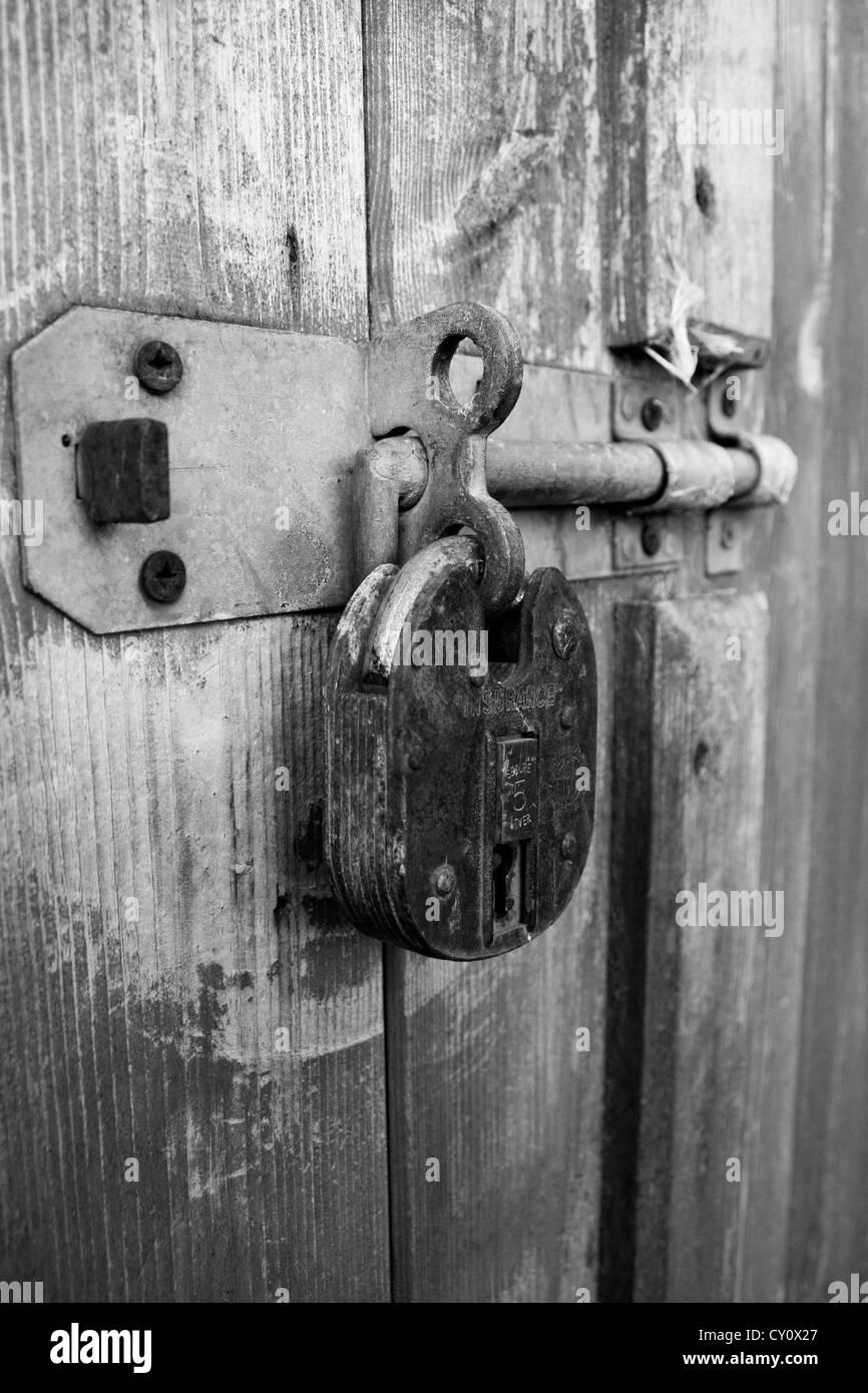 Padlocked door - Stock Image & Padlocked Door Stock Photos \u0026 Padlocked Door Stock Images - Alamy