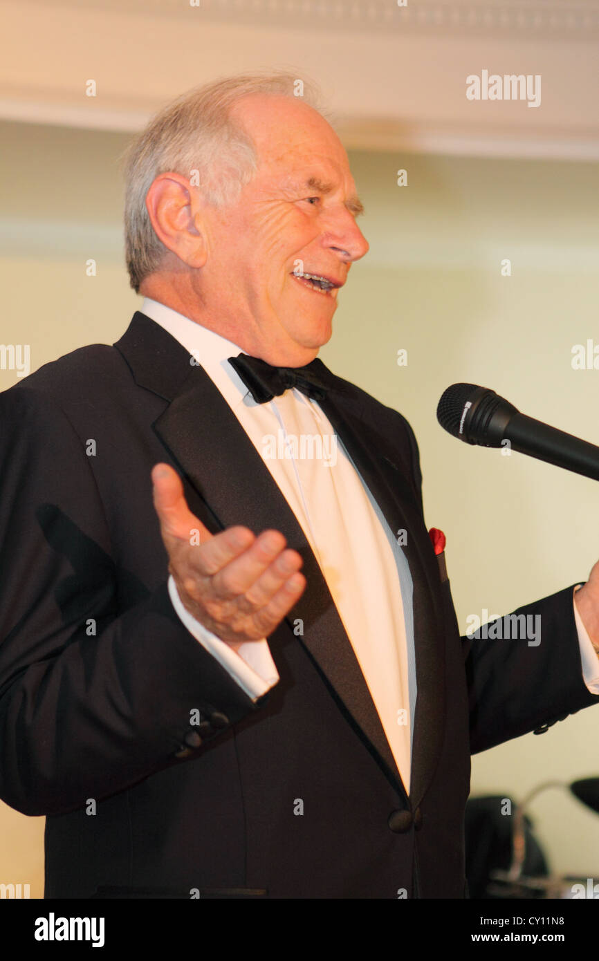 Johnny Ball TV presenter speaking at a corporate after dinner speaking engagement in 2009 - Stock Image