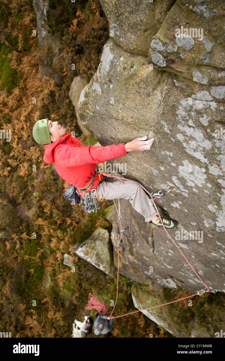 Rock Climbing on Nether Tor, Kinder Scout, Derbyshire - Stock Image